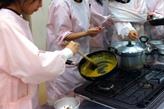 カレーのルゥから作っています