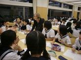 本校カフェテリアにて開催されました
